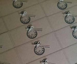 clock invite minature